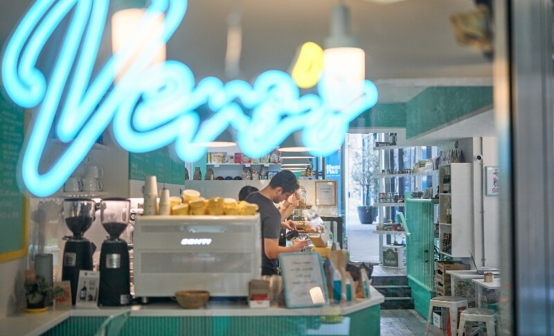 Vero's | Coffee & cake
